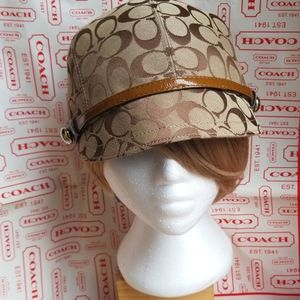 Coach monogram Newsboy hat women  M/L never worn